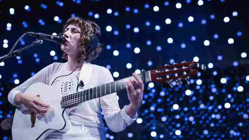 Watch Aldous Harding Perform New Song, 'Elation,' At KEXP